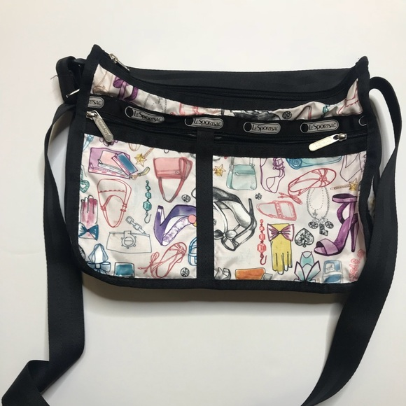 53bb6f5e45 Lesportsac Handbags - Le Sport Sac Deluxe Everyday Crossbody Bag